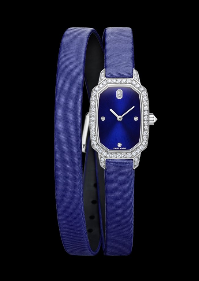 hw_harry_winston_emerald_blue_face_blackbg_hd_l