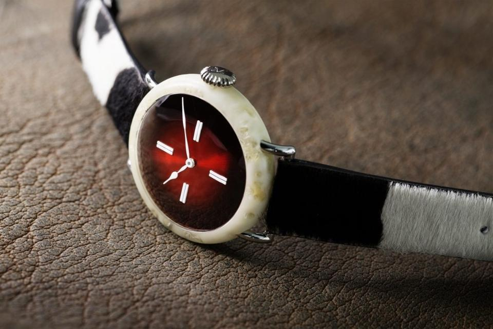 h-moser-cie-swiss_mad-watch-1200x801