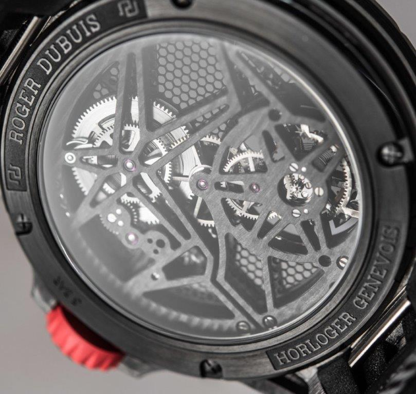 roger-dubuis-excalibur-spider-carbon-movement-tourbillon-skeleton-2017-ablogtowatch-4-1024x972